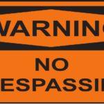 不法侵入禁止のプレート