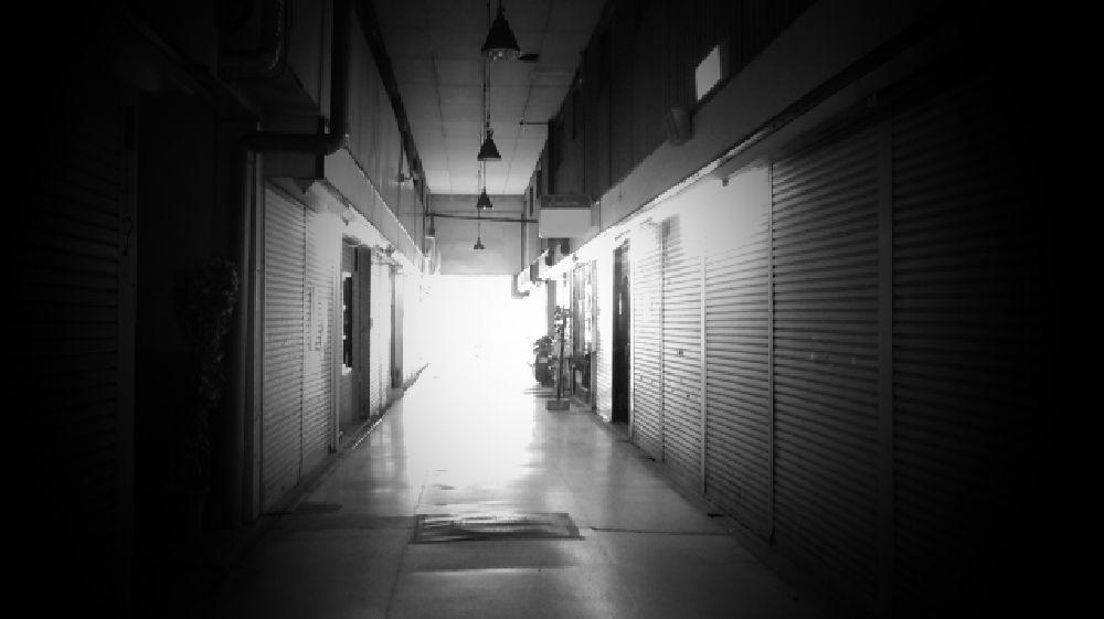 大阪府八尾市のシャッター商店街