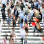 大阪の人込みな交差点